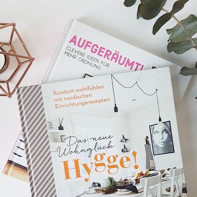 Ich liebe ja inspirierende Bücher aus dem Wohnbereich und stöbere jetzt mal in den beiden tollen Büchern. Habt einen tollen Start ins Wochenende. ☀☕💕 . #buchliebe #wohnen #inspiration #hygge #aufgeräumt #design #buch #dieliebezudenbüchern #diepetzi