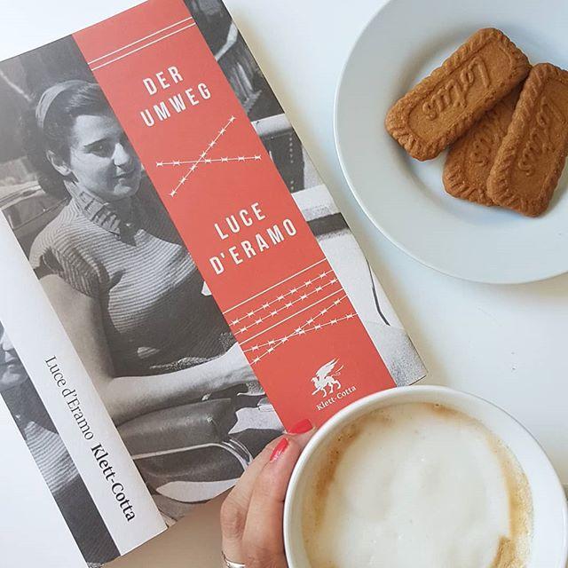 """Sonntagslektüre ist heute """"Der Umweg"""" von Luce D'Eramo aus dem @klettcottaverlag. Ich bin schon sehr gespannt auf die Lektüre und mach es mir jetzt mit meinem Kaffee bequem. Kennt ihr das Buch schon? Interessiert es euch auch? . . #klettcottaverlag #lucederamo #derumweg #lektüre #buch #lesen #leseliebe #ichliebelesen #roman #kaffee #kaffeepause #diepetzi #dieliebezudenbüchern #bookstagram"""