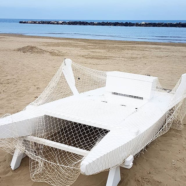 Ich könnte einfach ständig hier sitzen, lesen und aufs Meer schauen. Totale Entspannung. 😍 #diepetzi #happyme