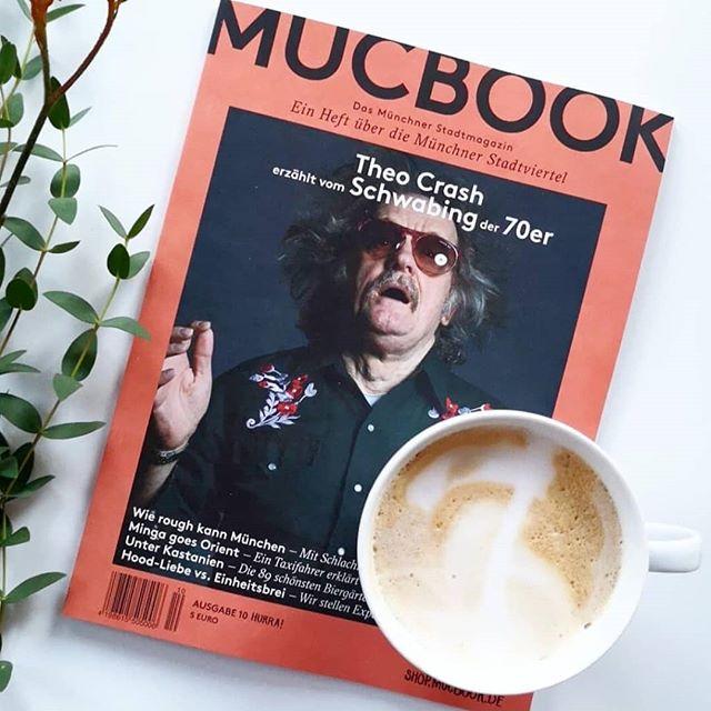 Leider sitze ich gerade nicht in einem coolen Café. Die Kantine kann aber auch ganz nett sein und deswegen genieße ich die neue @mucbook Ausgabe mit meinem  #kaffee und freu mich, dass heute schon Donnerstag ist. Und über noch ein paar tolle Sachen mehr. ☕😉 Habt einen feinen  Tag und lasst euch nicht stressen. #diepetzi #zeitschriftensuchti #coffeebreak #pause (Edit: Das Foto hab ich natürlich nicht in der Kantine gemacht. Falls das jemand denkt. 😂)