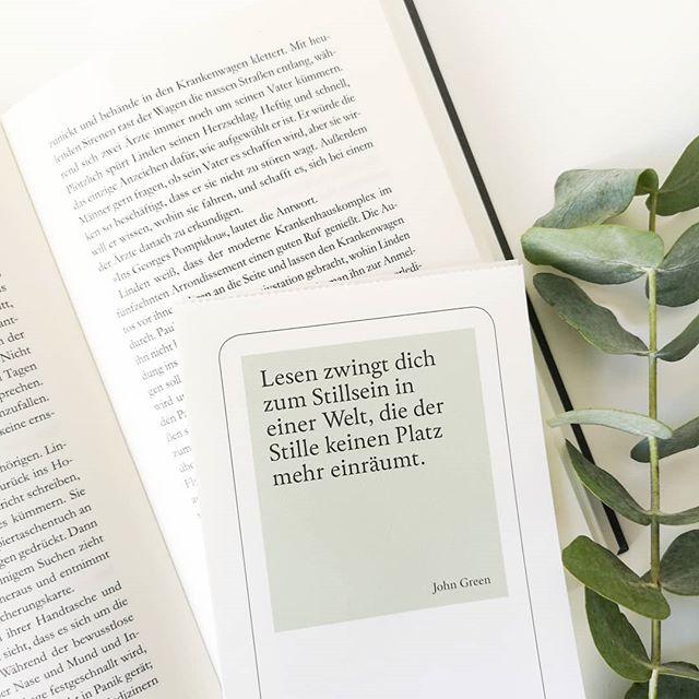 """Guten Morgen. Kommt gut durch den Mittwoch und findet hoffentlich auch einen Moment Ruhe, um mal ein paar Seiten in einem guten Buch zu lesen. Hier sind gerade zwei Bücher aktuell, weil ich """"Bin im Garten"""" und """"Radio Activity"""" parallel lese. Könnt ihr mehr als ein Buch lesen? . .  #diepetzi #dieliebezudenbüchern #lesen #buch #leseliebe #buchliebe #buchblogger #buchblog #booksofinstagram #bookstagram #zitat #quote"""